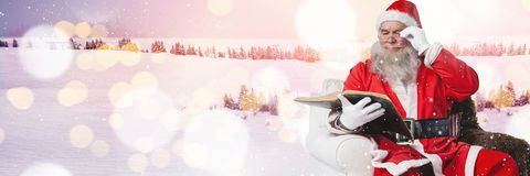 与冬天风景的圣诞老人 免版税库存照片