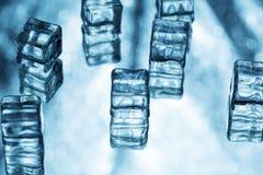 与冰块的抽象背景 免版税库存图片