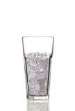与冰块的玻璃 背景查出的白色 免版税库存图片