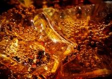 与冰的可乐 图库摄影