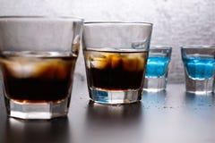 与冰的威士忌酒可乐 免版税库存照片