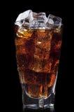 与冰的新可乐饮料背景 免版税库存照片