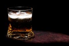 与冰的长的新饮料与文本的空间 免版税库存图片