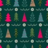 与冷杉木,雪花,诗歌选的无缝的圣诞节样式 免版税库存照片
