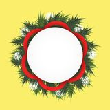 与冷杉的圣诞节背景在圈子、白色球和红色丝带分支 文本的圆的领域 皇族释放例证