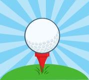 与准备好的发球区域的高尔夫球 免版税库存照片