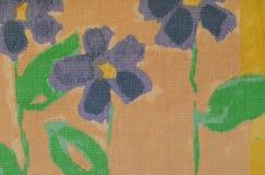 与几何元素的明亮的无缝的花卉样式 免版税库存图片