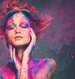 与创造性的身体ar的妇女冥想 库存图片