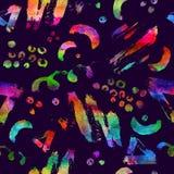 与刷子冲程和小点的五颜六色的无缝的样式 彩虹在紫罗兰色背景的水彩颜色 手画 库存图片