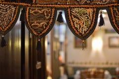 与刺绣的细节从一传统尼泊尔/印地安interi 库存照片