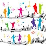 与剪影的抽象音乐笔记孩子跳舞 免版税库存照片
