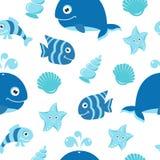 与动画片海洋动物的逗人喜爱的无缝的样式 免版税库存照片