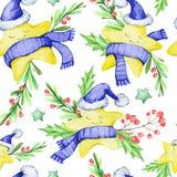 与动画片的水彩无缝的样式在温暖的布料、叶子和莓果担任主角 新年度 快活的圣诞节 免版税库存照片