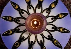 与十二个女神的被点燃的装饰蜡烛 库存图片