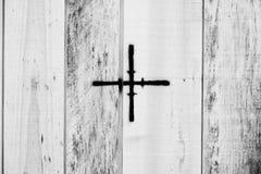 与十字架的木板条 免版税库存照片
