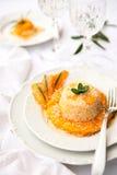 与南瓜奶油的意大利煨饭在空白牌照 库存图片