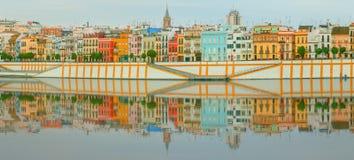 与历史大厦的塞维利亚全景都市风景,城市地平线,塞维利亚,西班牙 库存照片