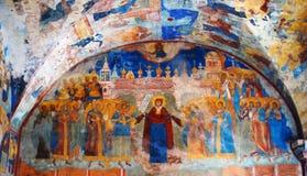 与原来的17世纪壁画的教会内部 免版税图库摄影