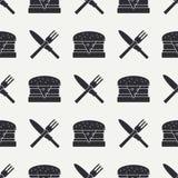 与厨具和快餐象的无缝的平的样式 免版税库存照片