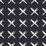 与厨具象的无缝的平的样式-叉子和刀子 免版税库存图片