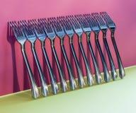 与叉子的抽象静物画在五颜六色 免版税库存图片