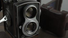 与双重透镜的葡萄酒照相机 影视素材