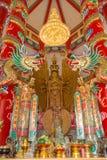 与双重龙的观世音菩萨雕象 图库摄影