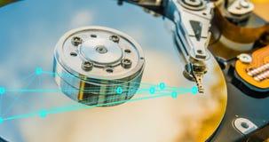 与反映的硬盘驱动器在它云彩定期流逝,云彩存贮,录影圈的概念 影视素材