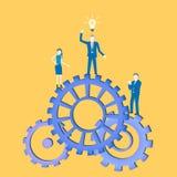 与发明一个想法和身分在钝齿轮的商人的企业平的设计配合传染媒介有他的同事的 向量例证