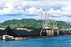 与口岸基础设施的散货在口岸普洛切,最大的海港在南克罗地亚 图库摄影
