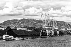 与口岸基础设施的散货在口岸普洛切,最大的海港在南克罗地亚 库存图片