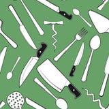 与古色古香的厨房碗筷的无缝的背景 免版税库存照片