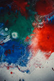 与另外颜色油漆条纹的下落是混杂和吸收 免版税库存图片