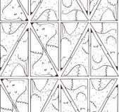 与可爱的狐狸的无缝的黑白样式在三角形状,得出紧密在几何背景中 传染媒介例证,是 免版税库存图片