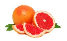 与叶子的成熟葡萄柚() 库存照片