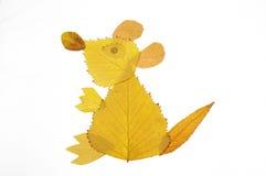 与叶子的拼贴画绘画--一点熊 免版税图库摄影