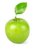 与叶子的绿色苹果 免版税库存图片