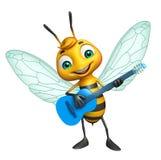 与吉他的逗人喜爱的蜂漫画人物 库存照片