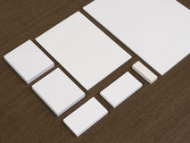 与名片,纸块的文具  免版税库存照片