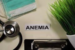 与启发和医疗保健/医疗概念的ADHD在书桌背景 库存照片