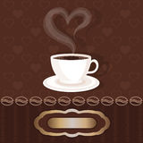 与咖啡和蒸汽心脏的白色满杯 库存照片