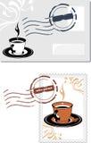 与咖啡杯的信封和岗位邮票 免版税库存图片