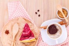 与咖啡的自创莓蛋糕 库存照片