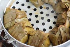 与咖喱酱的被蒸的鱼是可口的 图库摄影