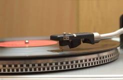与唱片特写镜头的转盘 免版税库存图片