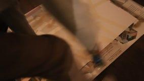 与喷壶的绘画 股票视频