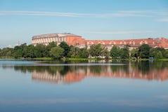与国会霍尔Kongresshalle和Kongresshalle国会霍尔的全景 库存图片