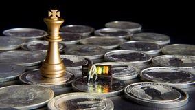 与国王的银色棋 免版税库存照片