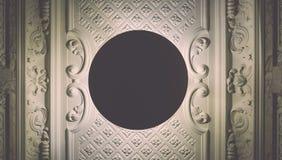 与圆的灯的天花板在一个老房子在阿姆斯特丹,下面里 库存图片