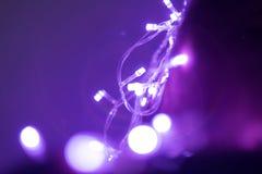 与圈子bokeh的紫色光 库存图片